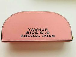 "MARC JACOBS COLLECTIBLE ""RUNWAY 9-12-2018"" MAKE UP BAG - Bra"